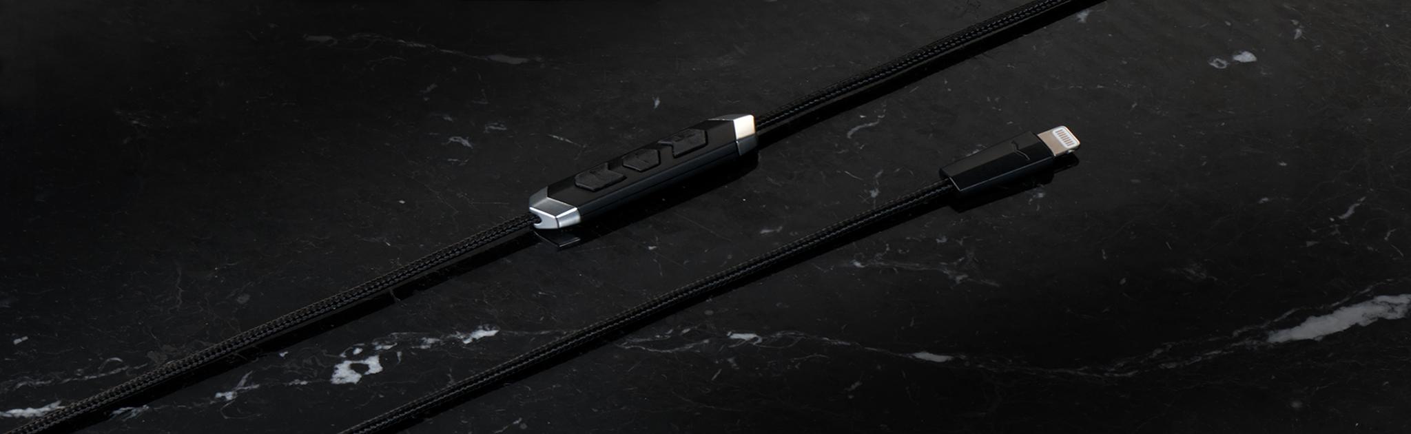 SpeakEasy DAC/AMP Lightning Cable video